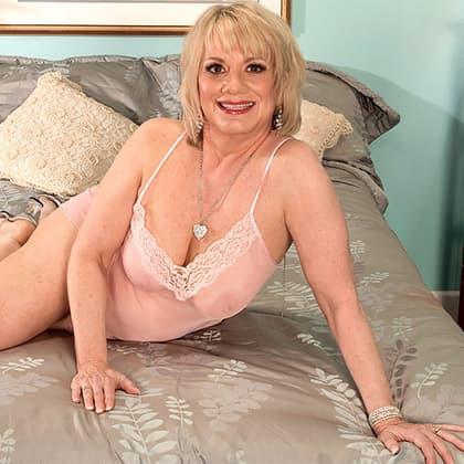Live Sexchat testen mit sexy alte Frauen