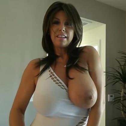 Reife Frauen mit dicken Titten beim Webcam Sex Chat